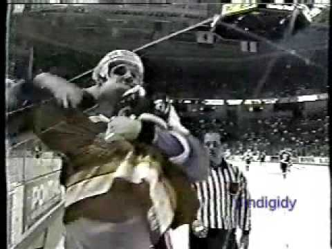Andrei Nazarov vs. Steve Chiasson