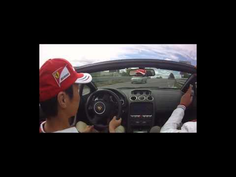 Ferrari and LamborghiniフェラーリVSランボルギーニ Test Drive IN Maranello デントスマイル