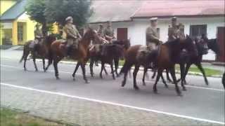 preview picture of video 'VI Podlaska Pielgrzymka Konna w Hołdzie Kawalerii Rzeczpospolitej 2014 - relacja z Kodnia'