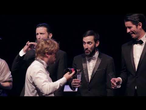Vous êtes cordialement invités au Théâtre Antoine à une soirée où vont s'épanouir la folie, l'absurdité et la bêtise. Un spectacle hybride, une suite de tableaux, où se croisent les Monty Python, Tarantino et Nadine de Rothschild !