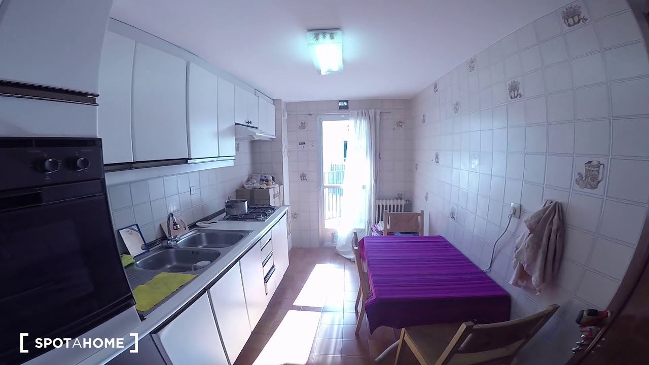 Rooms for rent in 3-bedroom apartment in Retiro