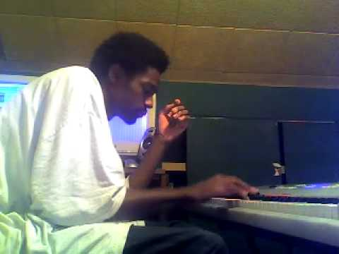 Mac-A-Mill In The Studio Makin A Nice R&B beat!