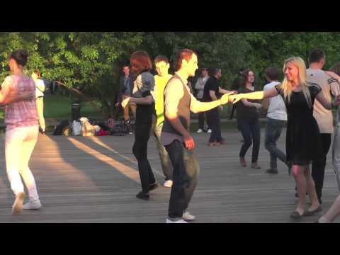 Танцы Парк Горького видео