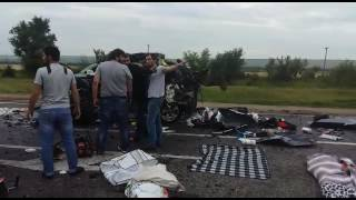 семья из Франции попала в аварию с фурой на трассе Р-217 в Ставрополье