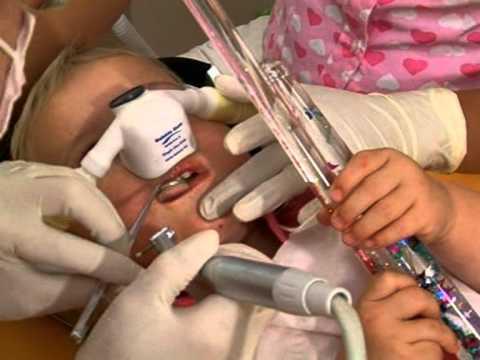 Die Parasiten der Kinder die Behandlung