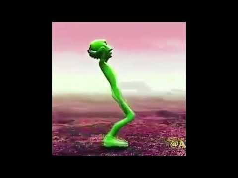 """Зеленый человечек танцует под песню """"Половина моя"""""""
