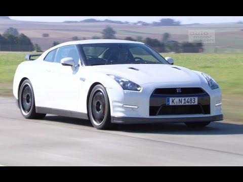 Nissan GT-R: Wie schnell ist Godzilla? - Fast Lap | auto motor und sport
