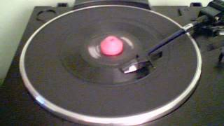 Gambar cover UB40 - Red Red Wine (Extended Version) - 45 RPM