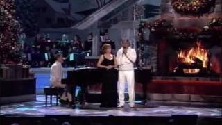 Andrea Bocelli - Duet with Reba McEntire - Blue Chrismas Live 2009