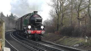 preview picture of video 'B1 Mayflower 61306 passing Egham 14/02/2015'