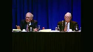 How does Warren Buffett train his successors?