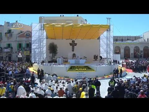 Visite du pape François à Molfetta (Italie)  : Messe