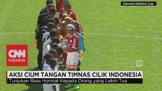 Aksi Cium Tangan Timnas Cilik Indonesia Menjadi Perhatian Dunia