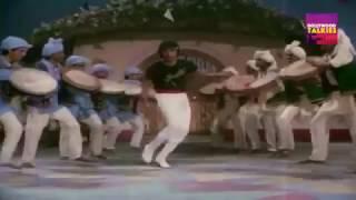Ek Haseena Ki Nigahon Ka Nishana Ban Gaya HD   - YouTube