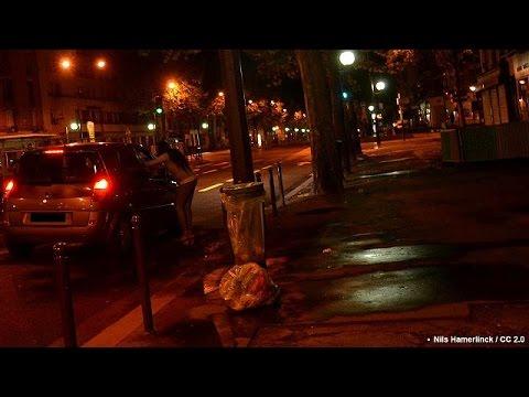 Γαλλία: Τσουχτερά πρόστιμα στους πελάτες ιερόδουλων