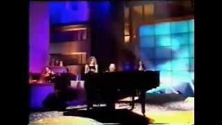 Anggun -  Il Jouait du Piano Debout