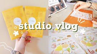 STUDIO VLOG 02 // opening my shop + packaging orders + organizing my desk ☀️