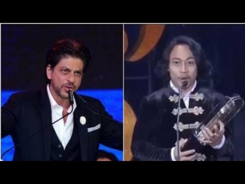 """Indonesian actor after recieving Best Actor Award : """"All of this is because of SRK! I love you #SRK"""""""