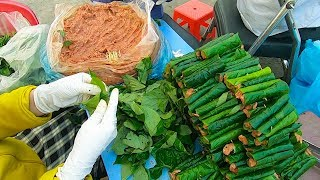 Đây là cách người ta làm Bò Lá Lốt Mỡ Chài bán ở vỉa hè Sài Gòn!