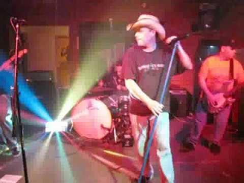 Exxposure performing 'The Needle & The Spoon'