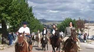 preview picture of video 'Minas y Abril. Imágenes del Festejo 2006.'