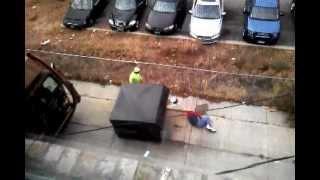 Descargar MP3 de Finding A Dead Body In The Garbage gratis  BuenTema Org