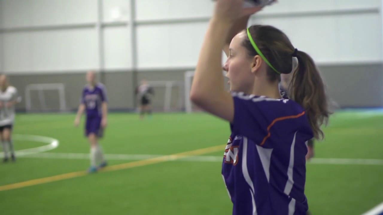 Jouer la vidéo Soccer intérieur féminin D3