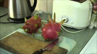 PITAHAYA: Red Dragon Fruit Vs White Dragon Fruit.