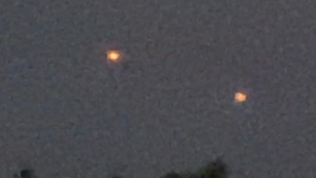 Luces desconocidas sobrevolando Warwick, Rhode Island, 22 de mayo de 2021
