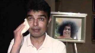 SOULJOURNS - AXAY KALATHIA, M.D.  THE STORY OF ONE MAN'S DESIRE TO BECOME ONE WITH SAI BABA