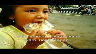 preview picture of video 'Anak Pak Pappo - Kisah Sepotong Roti di Alun-alun Purwokerto'