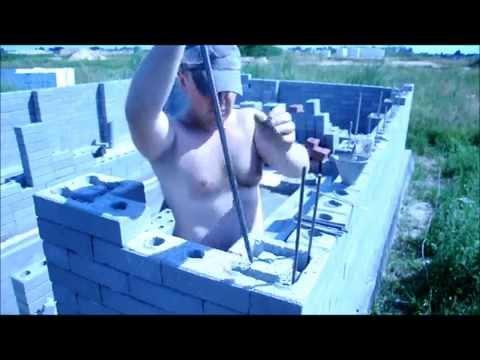 Узнайте как построить гараж 5*6 за 500 долларов.