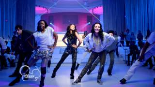 Zendaya et Bella Thorne - Something to Dance For / TTYLXOX (Clip Extrait) - Exclu Disney Channel