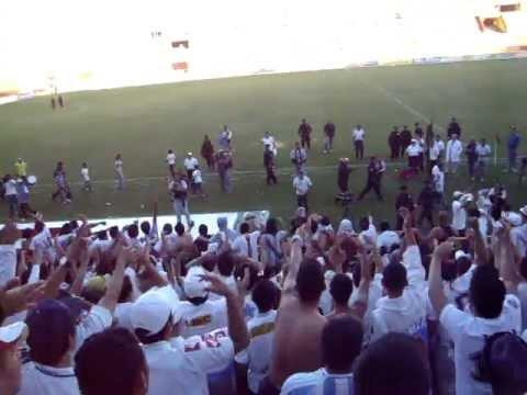 """LA ULTRA .. ALIANZA VS AGUILA  05-02-2012 (BY RICARDO)"" Barra: La Ultra Blanca y Barra Brava 96 • Club: Alianza"