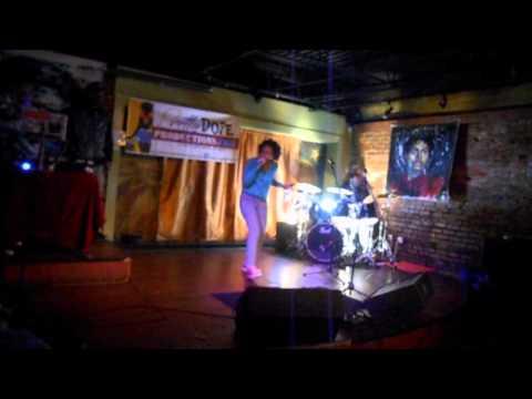 Nia SOULz performing at Apache Cafe in Atlanta