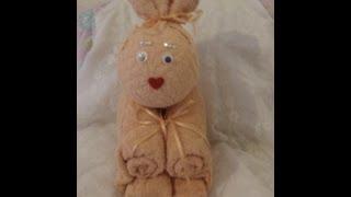Come fare un coniglietto di pon pon idea per la pasqua for Animali con asciugamani