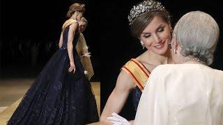 REINA LETIZIA ORTIZ IMPRESIONANTE en la cena de gala con vestido de FELIPE VARELA