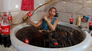 Me baño en Coca Cola | Piscina de 10000 Litros en mi Jacuzzi