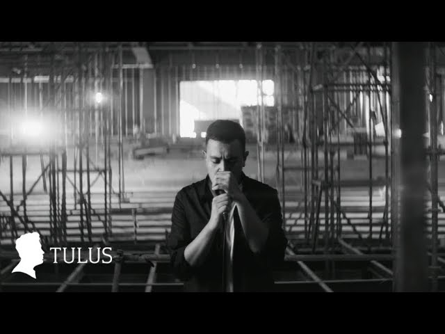 TULUS - Langit Abu-Abu (Official Music Video)