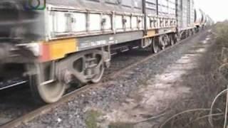 preview picture of video 'Tren de NCA con el slug 9022+6204 en cercanías de Dalmacio Vélez Sarsfield'