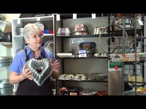 Marilyn's easy-bake bakeware at Der Kuchen Laden video poster.