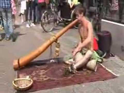 BUSKER on DIDGERIDOO