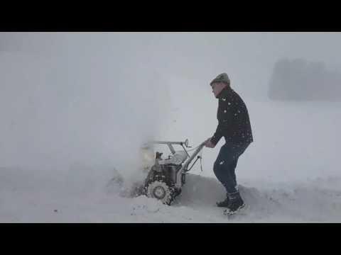 Rolba R60 Snowbaby in Aktion Schneefräse mit Rotax Motor