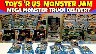 MONSTER JAM Toys 'R Us Delivery Scooby Doo Grave Digger Team Hot Wheels
