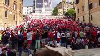 preview picture of video 'Bayern Munchen fans in Rome taken over the Spanish Steps'