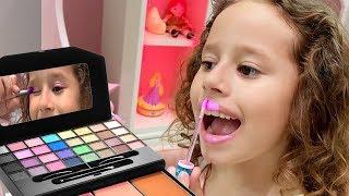 Histórias engraçadas com brinquedos   Vídeo de compilação com Valentina Toys Show
