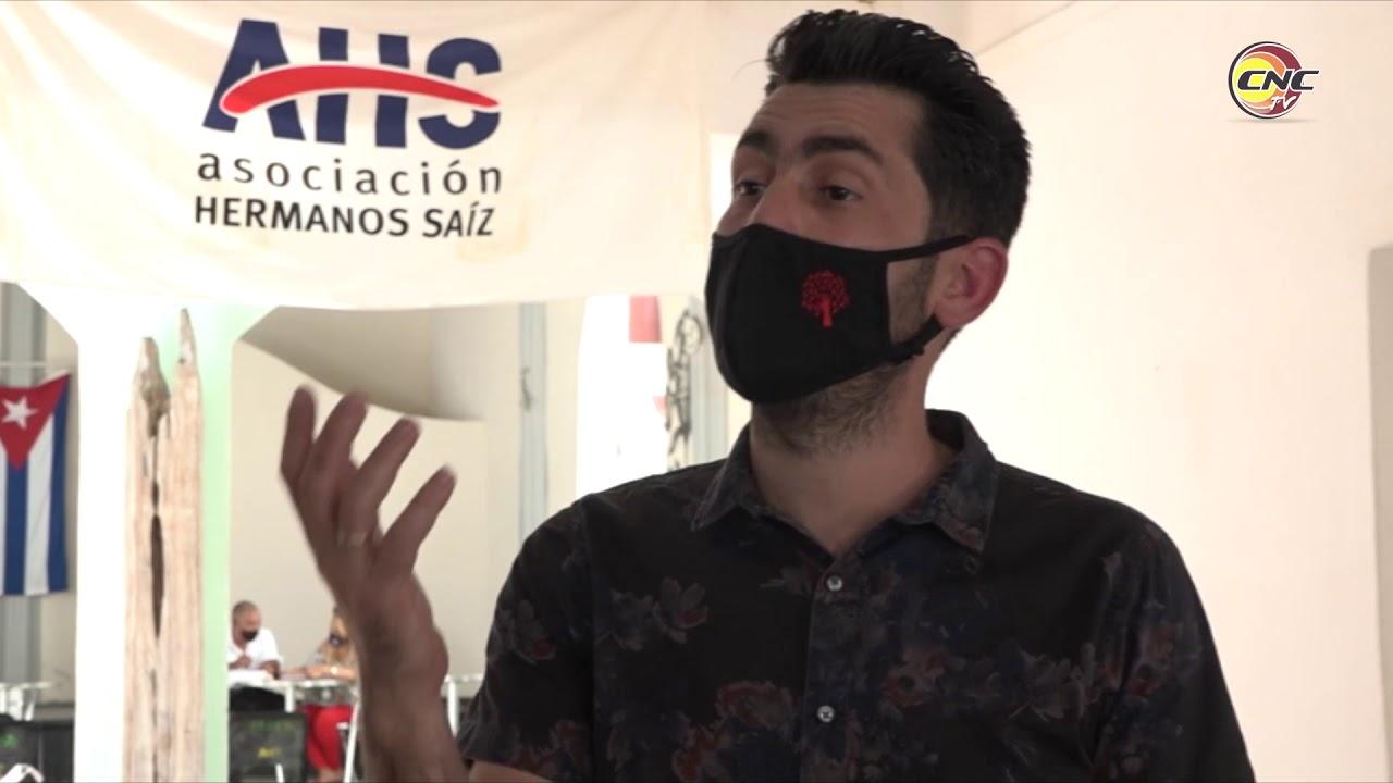 Presidente de la AHS intercambia con jóvenes creadores de Manzanillo