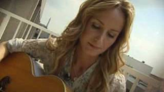 Chely Wright - Broken (The Pentagon Channel)