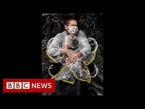 Photo of hug during pandemic named World Press Photo of the Year - BBC News