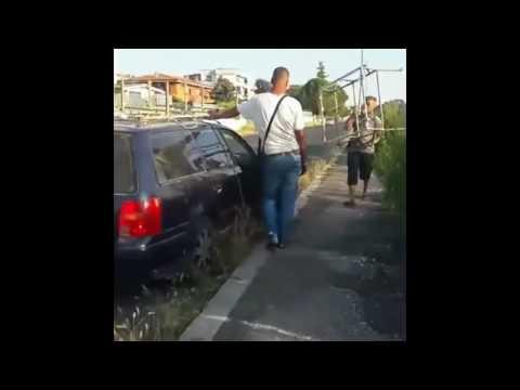 Roma, Torre Angela due inquinatori cazziati da donna